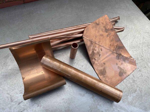 Metallschrott verkaufen wie zum Beispiel diese schön blanke Rohre und Bleche Kupfer Kerze, wie neu